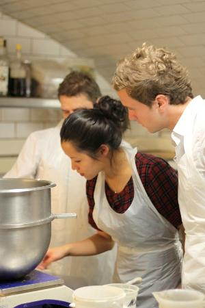 Lifestyle Vacations-Pastry and Macarons Classes in Paris