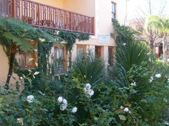 Montagu Country Hotel: The Spa and gardens