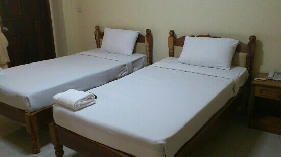 Submukda Grand Hotel: welcome to the firm beds