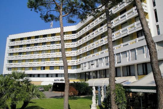 Frontansicht Hotel Esplanade Tergesteo