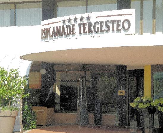 Esplanade Tergesteo: Hoteleingang Tegesteo