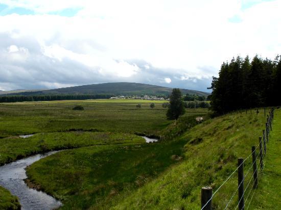 Glentorets Bed & Breakfast: Landscape around Tomintoul