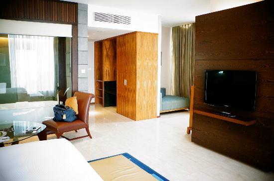 Hilton Bandung: the bed room
