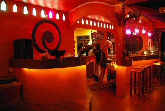 MOOV Restaurant, Club & Art Garden: The groovy bar