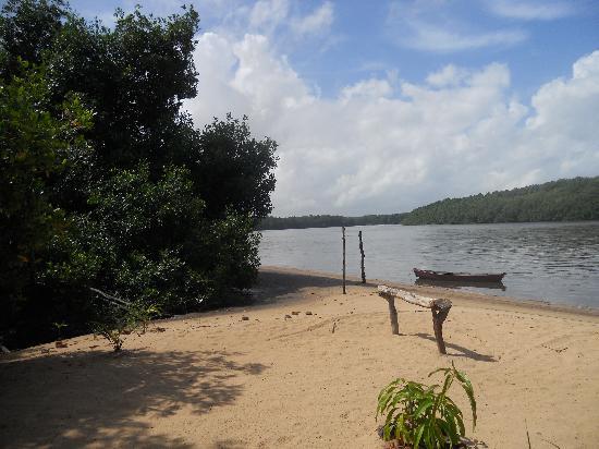 Barreirinhas, MA: parada no passeio pelo Rio Preguiças