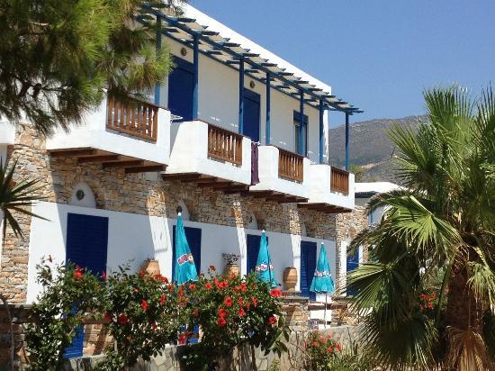 Aegeon Hotel: Seitenansicht