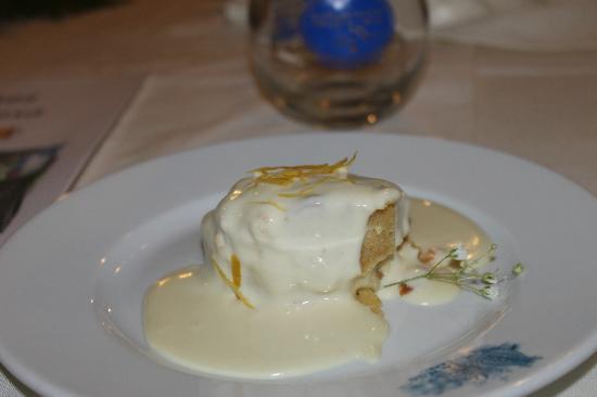Al Chiaro Di Luna : Lemon cake