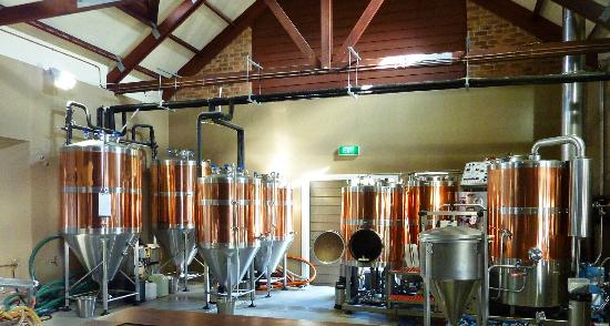 Potters Hotel & Brewery: Potters brewery interior