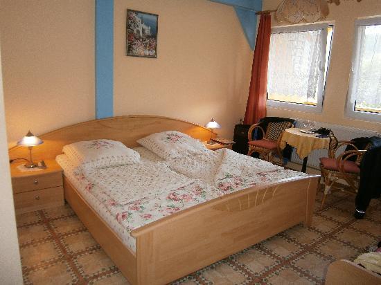 Krov, Germany: Onze slaapkamer...