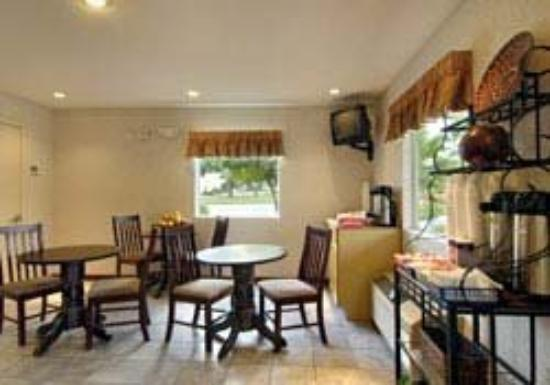 Country Hearth Inn and Suites: Other
