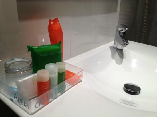 NH Bucharest: Nice toiletries