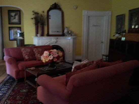 Brambles Inn and Gardens: The living room -- just a taste of the beautiful decorating.