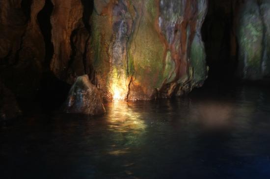 Grotte Marine di Capo Palinuro - Palinuro Porto: Grotta Sulfurea