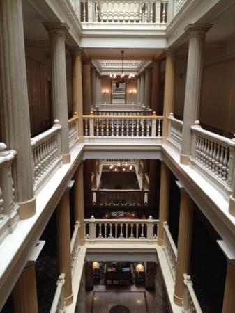 Hotel des Trois Couronnes: Inside the Hotel