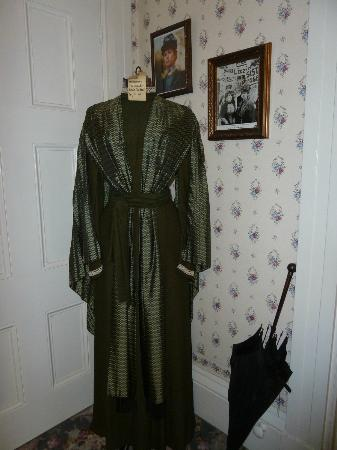 Lizzie Borden House: Dress worn by Elizabeth Montgomery in made-for-T.V. movie