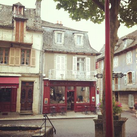 Le Petit Chou : exterior of the building