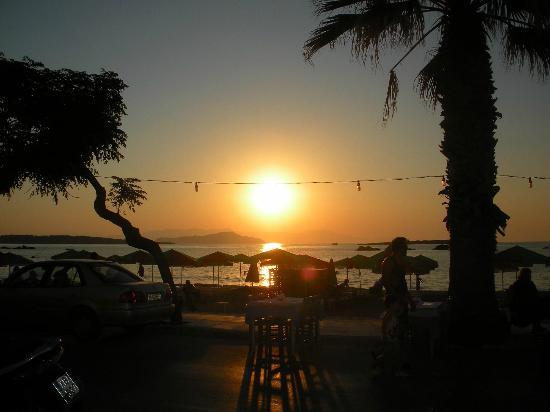 Danaos Hotel: tramonto dal ristorante convenzionato all'hotel