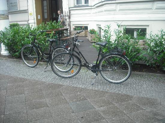 Grand Hostel Berlin: Rented bikes from Hostel, 10 euro a day