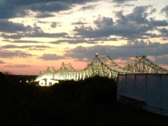 Super 8 Natchez: View from behind the hotel.