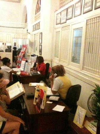 Melia Varadero: be ware in havana ingraterra hotel agent (these 2 girls)