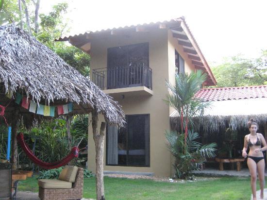 Mariposa Vacation Homes: Backyard
