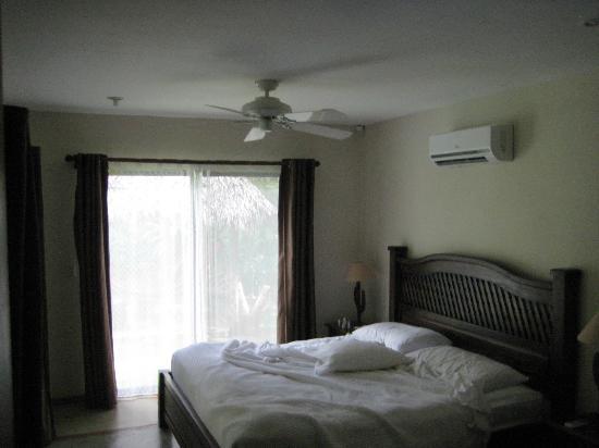 Mariposa Vacation Homes: Downstairs bedrom