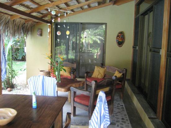 Mariposa Vacation Homes: Patio