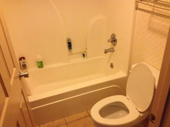 Park Grove Inn: room 706