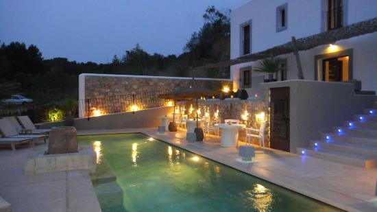 The Giri Residence: pool at night