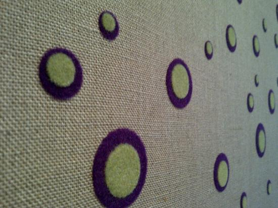 Covent Garden Hotel: Funky fabric wallpaper in Room 317