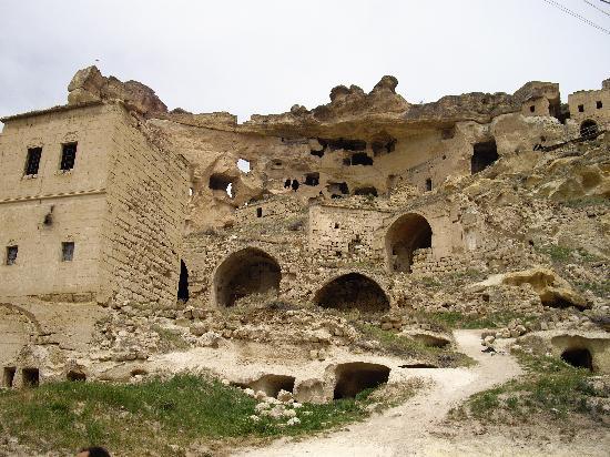 Cavusin, Turki: チャウシン村
