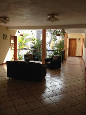 Hotel Kakchiquel: Living room