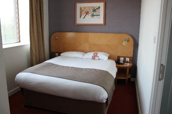 Ramada Hotel & Suites Coventry: Die andere Seite des Zimmers