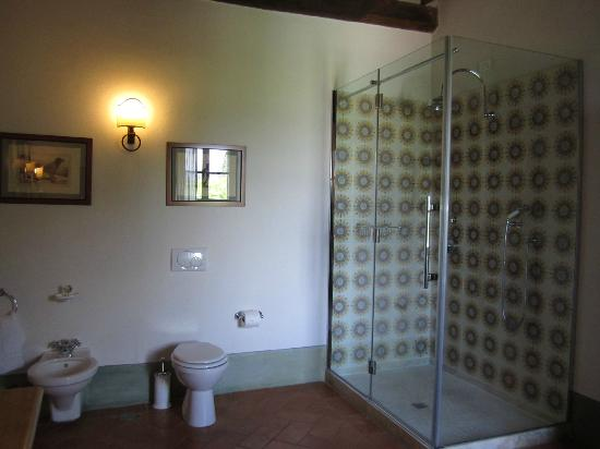 Castello Banfi - Il Borgo: shower