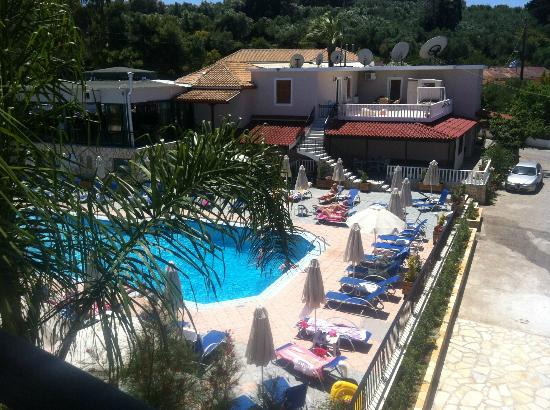 Planet Studios and Apartments: View from our balcony onto the pool :)