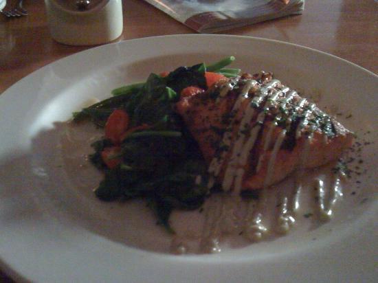 2nd Street Bistro: Grilled Sallmon