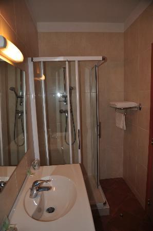 Bad im Hotel du Vignoble