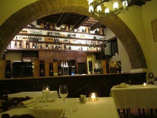 Castello Banfi - Il Borgo: La Taverna