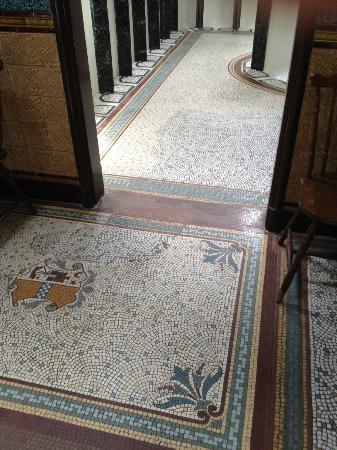 Rothesay's Victorian Toilets: Amazing floor!