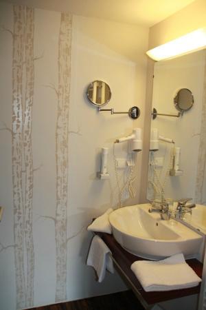 Hotel Restaurant Liebnitzmühle: schönes gepflegtes modernes Bad mit Dusche
