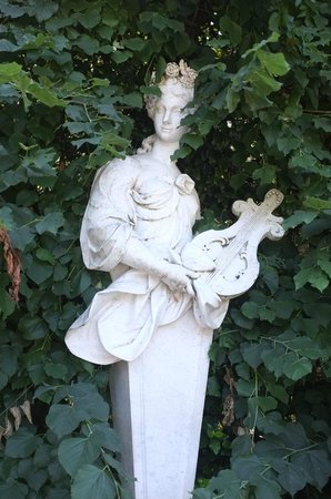 Reggia di Caserta: Eine der unzähligen Figuren im Garten
