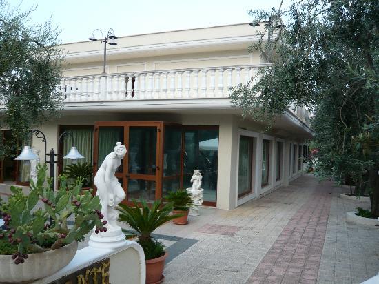 Hotel Al Pozzo: area adiacente spazio cena