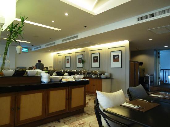Sawaddi Patong Resort & Spa: restaurent