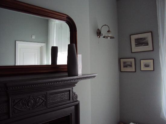 The Victoria: room 2