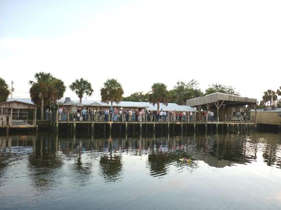 Salt Creek Restaurant: Gathering