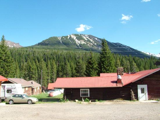 Antlers Lodge Cooke City: view from outside cabin
