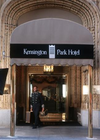 The Kensington Park Hotel : Hotel Entrance