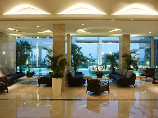 Sunrise Pearl Hotel & Spa: Lobby