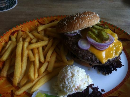 Fuerth, Tyskland: cheeseburger