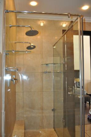 Valley Lodge & Spa: His and hers shower